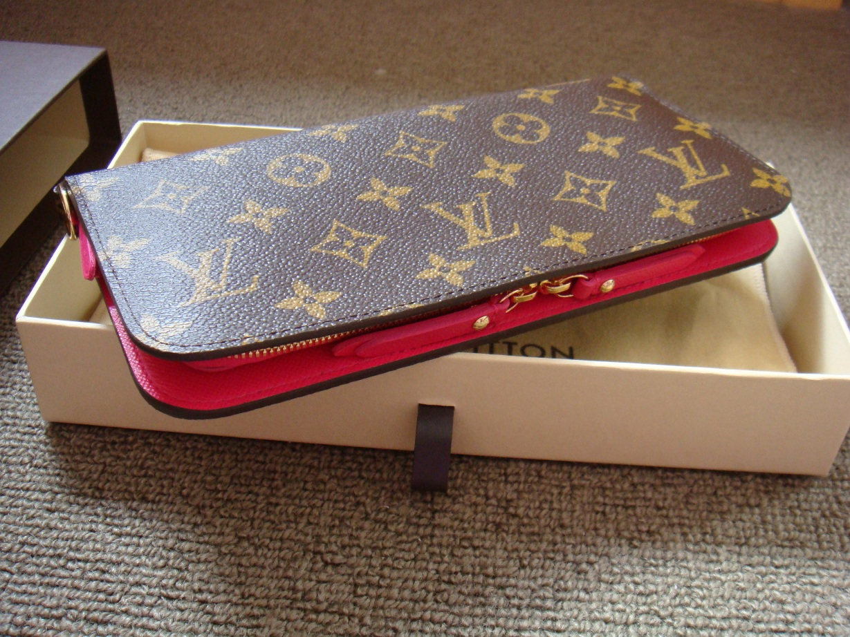 8ffed2f5834 Louis Vuitton Monogram Insolite Wallet in Rose Pop