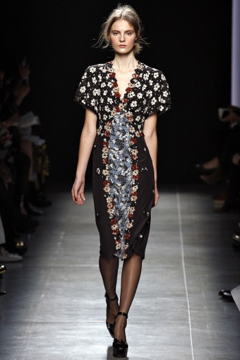 Bottega Veneta Spring 2013 Runway picture from vogue.com