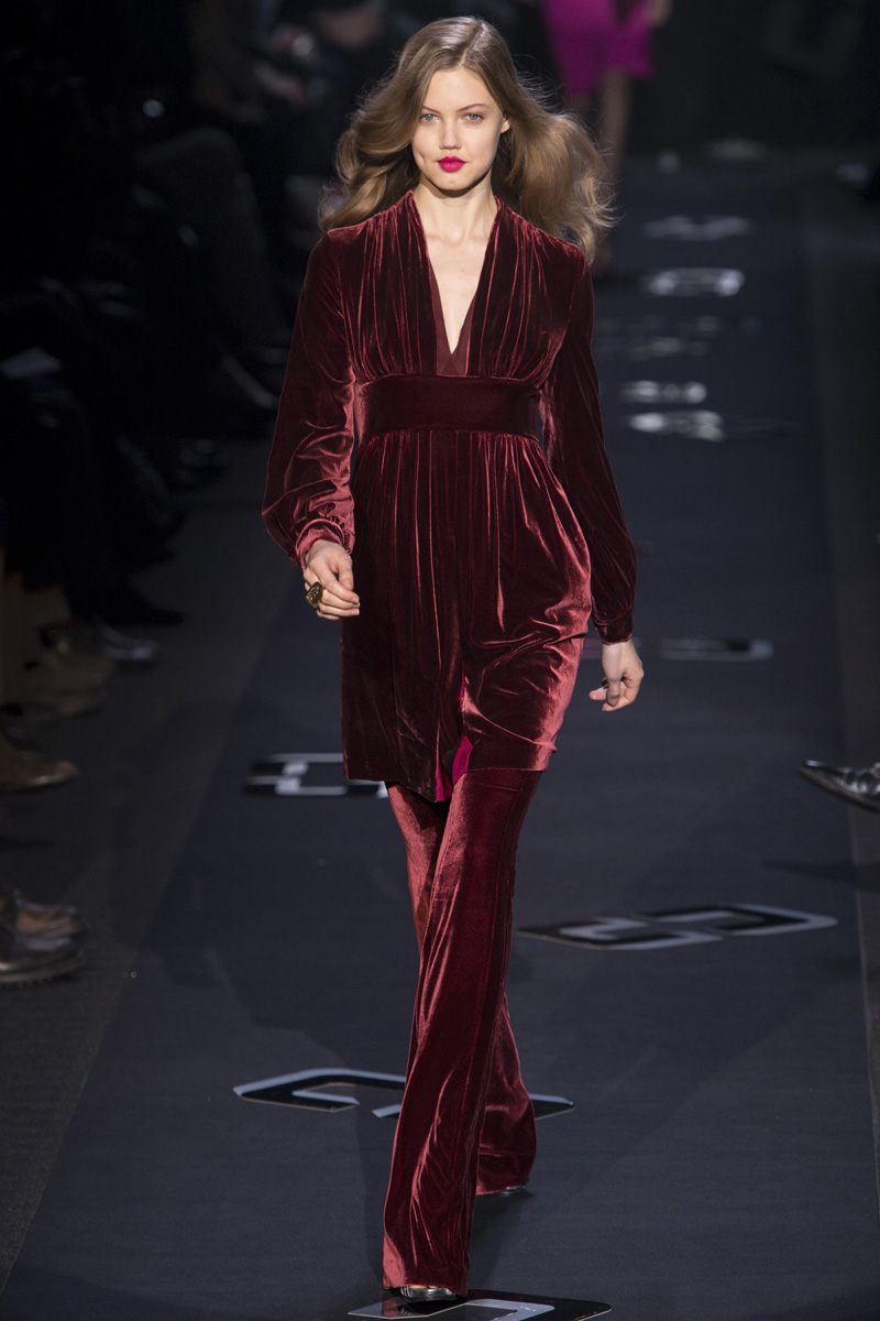 velvet diane fall runway furstenberg von dress collection vogue rtw lindsey empire wixson trend directoire dvf wear ready clothing cool