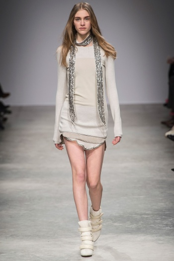Isabel Marant Fall 2013 Runway picture from vogue.com