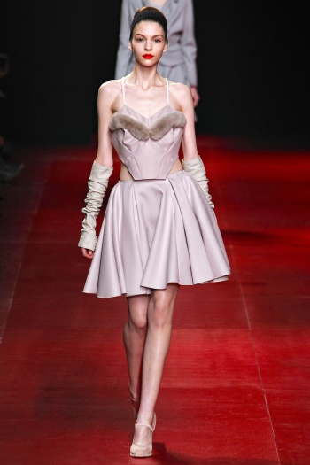Nina Ricci Fall 2013 Runway picture from vogue.com