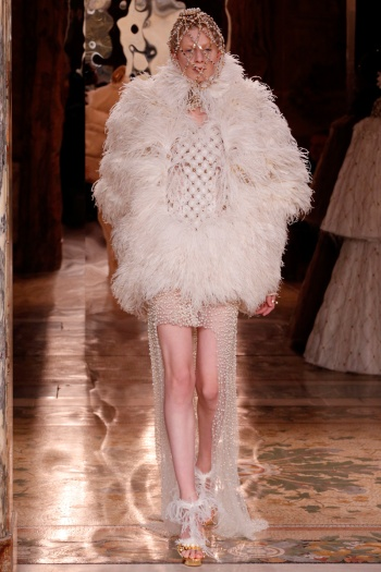 Alexander McQueen Fall 2013 Runway picture from vogue.com