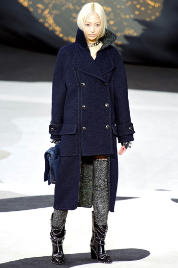 Chanel Fall 2013 Runway picture from vogue.com