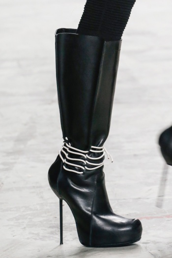 Rick Owens Fall 2013 Runway picture from vogue.com