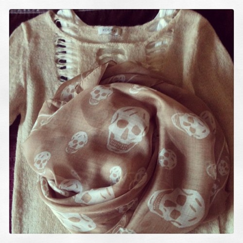 To keep me warm- Kookai distressed sweater + Alexander McQueen skull scarf