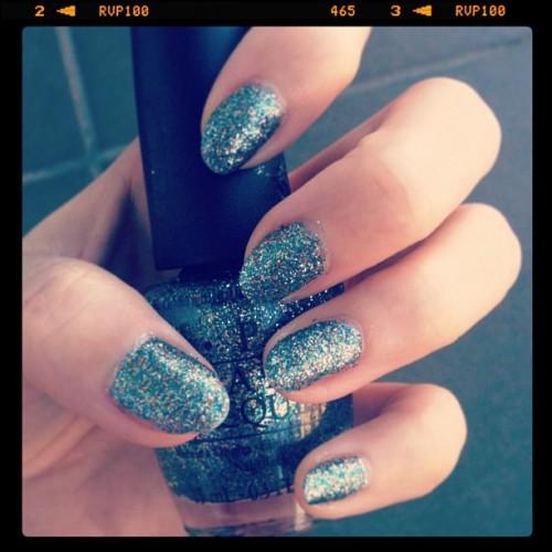 Some glitter kinda day- OPI Shimmer & Simmer