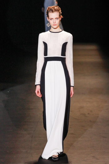 Alberta Ferretti Fall 2013 Runway picture from vogue.com