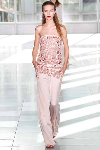 Antonio Berardi Spring 2014 Runway picture from vogue.com