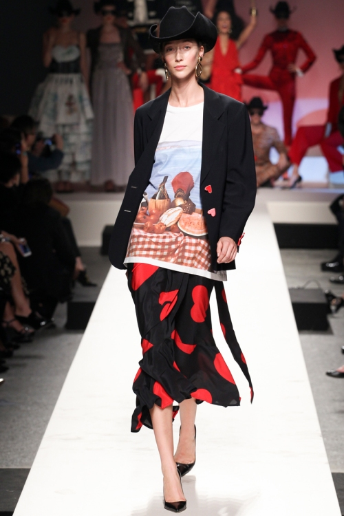 Moschino Spring 2014 Runway picture from vogue.com