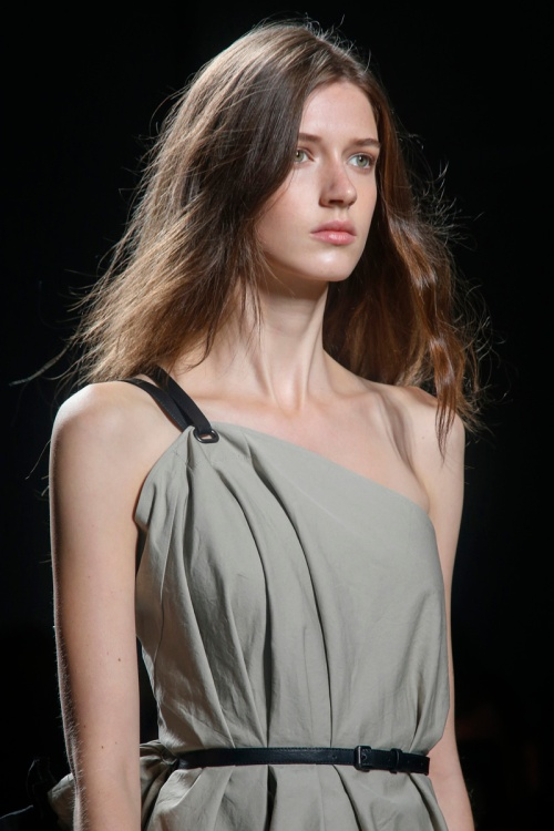Bottega Veneta Spring 2014 Runway picture from vogue.com