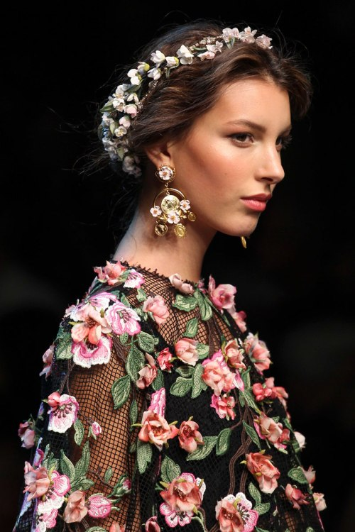 Dolce and Gabbana Spring 2014 Runway picutre from vogue.com
