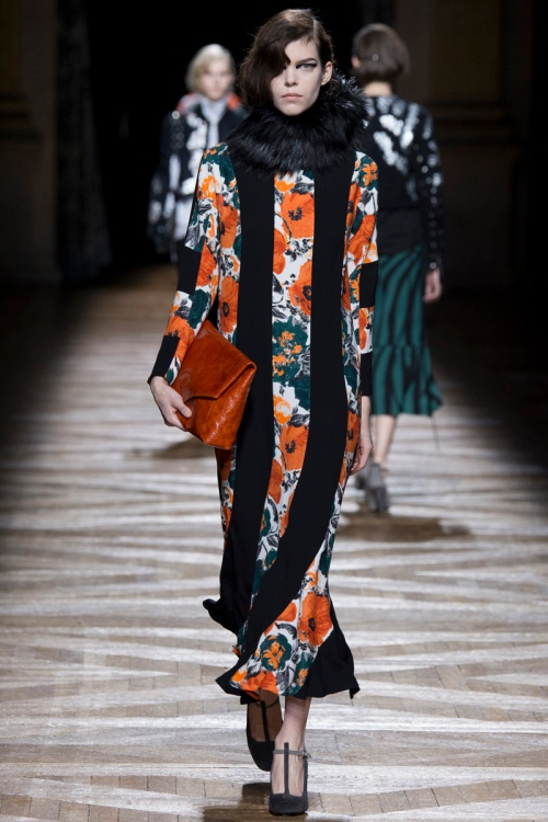 Dries Van Noten Fall 2014 Runway picture from vogue.com