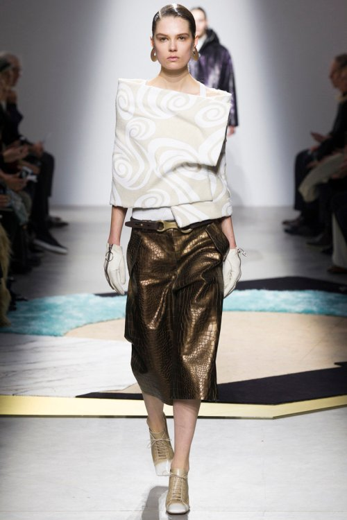 Acne Studios Fall 2014 Runway picture via vogue