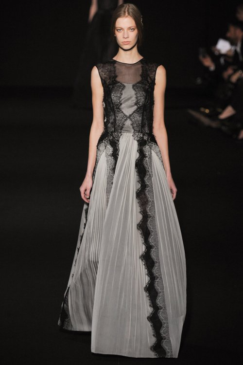Alberta Ferretti Fall 2014 Runway picture via vogue